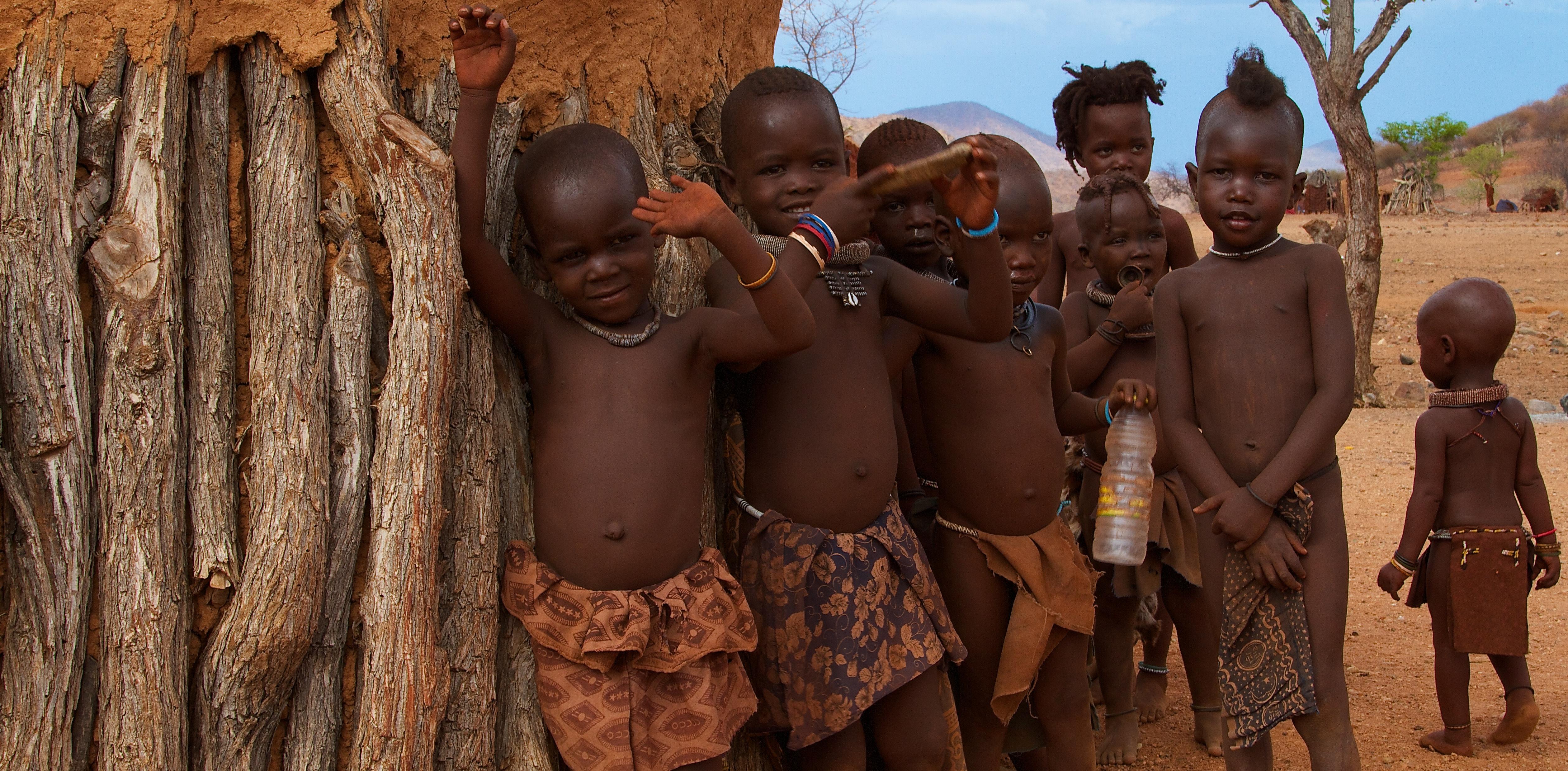 Namibia, Kakaoveld, Himba kids